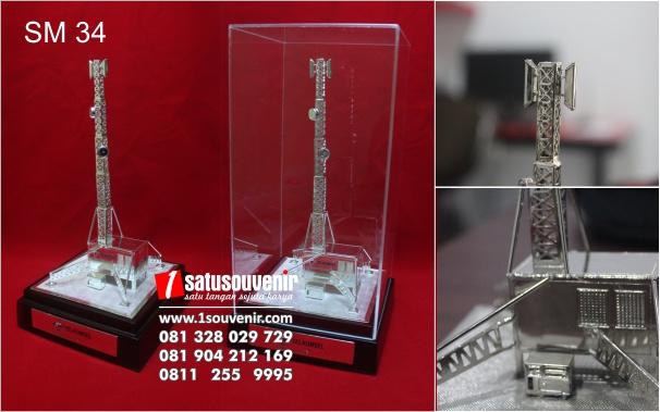 contoh souvenir miniatur bts telkomsel